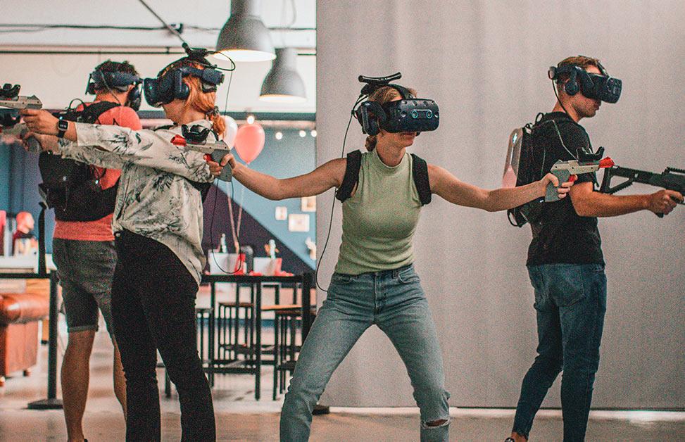 Free-roam VR experience